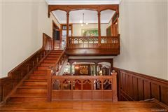 Luxury real estate stately restored queen Anne - National Historic residence
