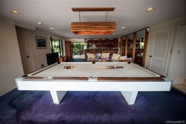 tranquil oasis high above Kaneohe Bay luxury homes