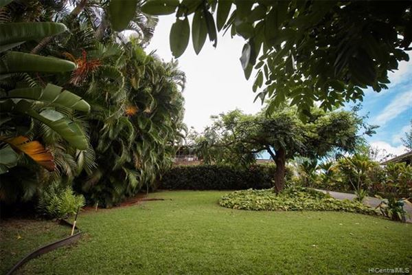 Luxury properties tranquil oasis high above Kaneohe Bay