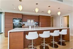 extensively upgraded three bedroom unit luxury homes