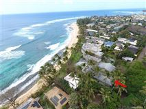 Mansions in beach front estate with views of hawaiian sunsets