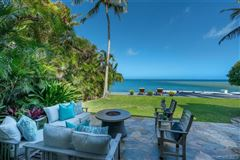 Luxury homes in luxurious waterfront executive home
