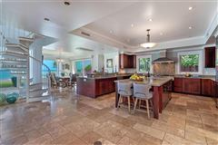 Mansions luxurious waterfront executive home