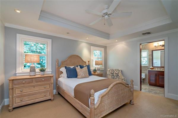 Luxury properties luxurious waterfront executive home