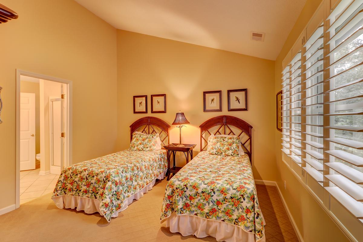Luxury homes in 148 N. Sea Pines Drive