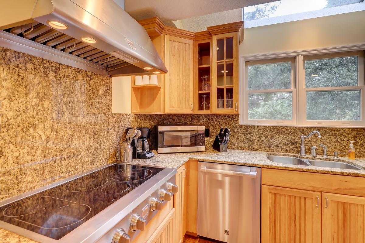 148 N. Sea Pines Drive luxury properties