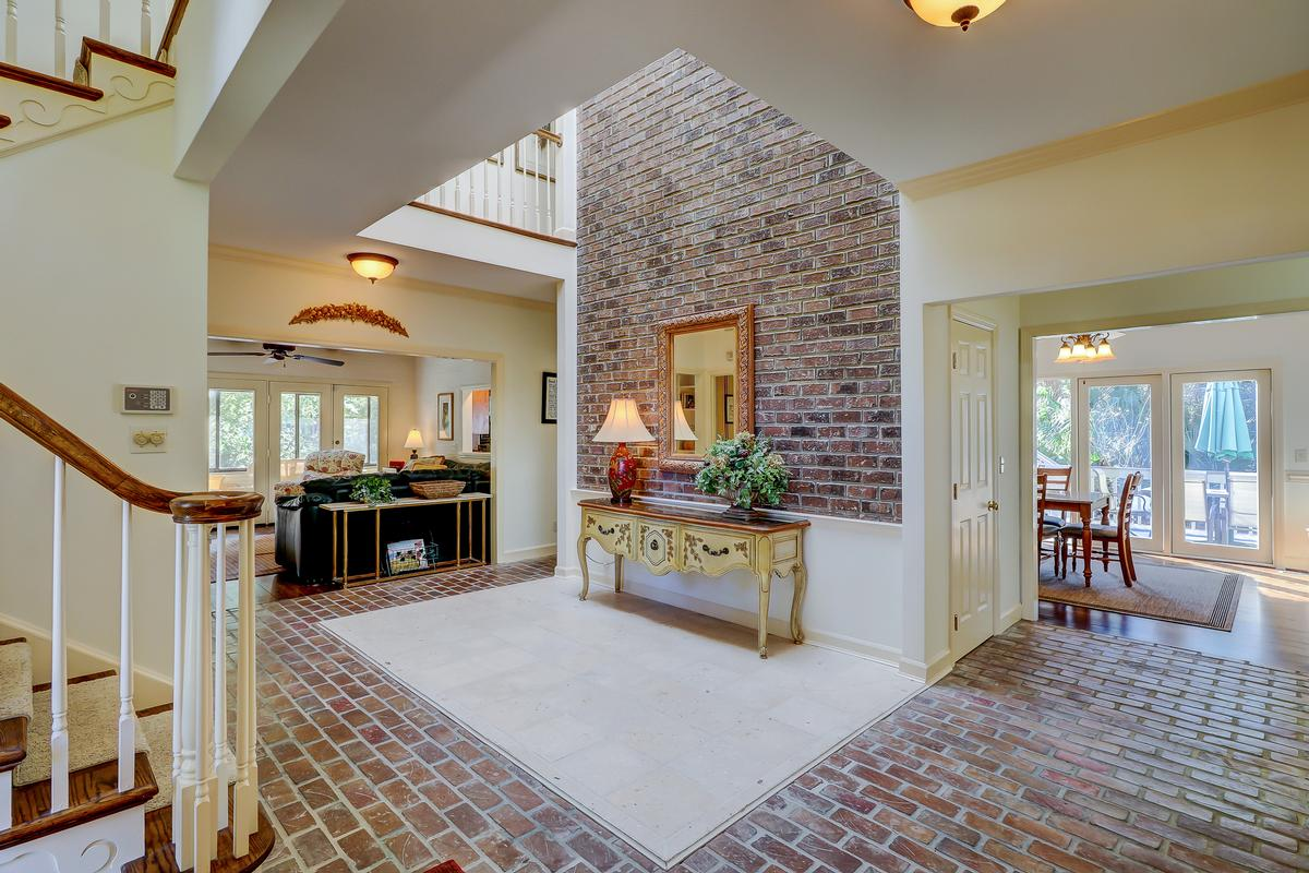 beautiful traditional on a quiet cul-de-sac luxury homes