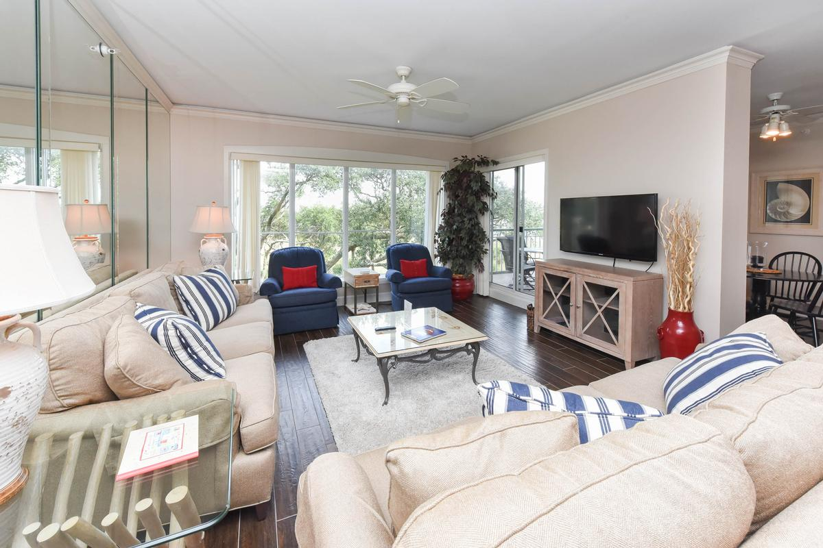 Luxury homes 309 Windsor Place Villas