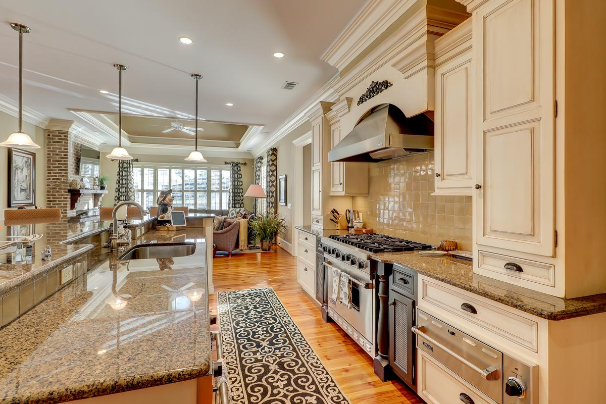 Luxury homes beautiful home in Colleton River Plantation