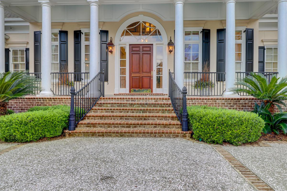beautiful home in Colleton River Plantation luxury properties