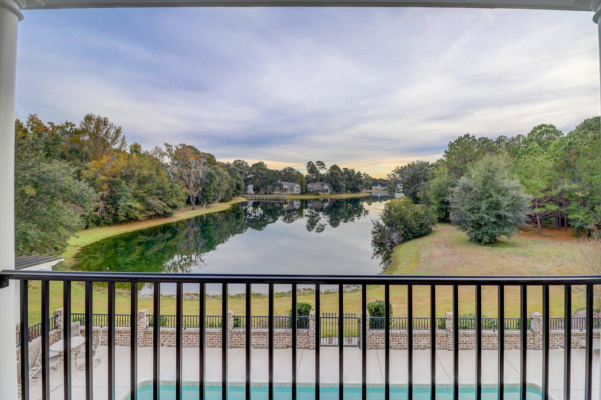 Luxury homes in beautiful home in Colleton River Plantation