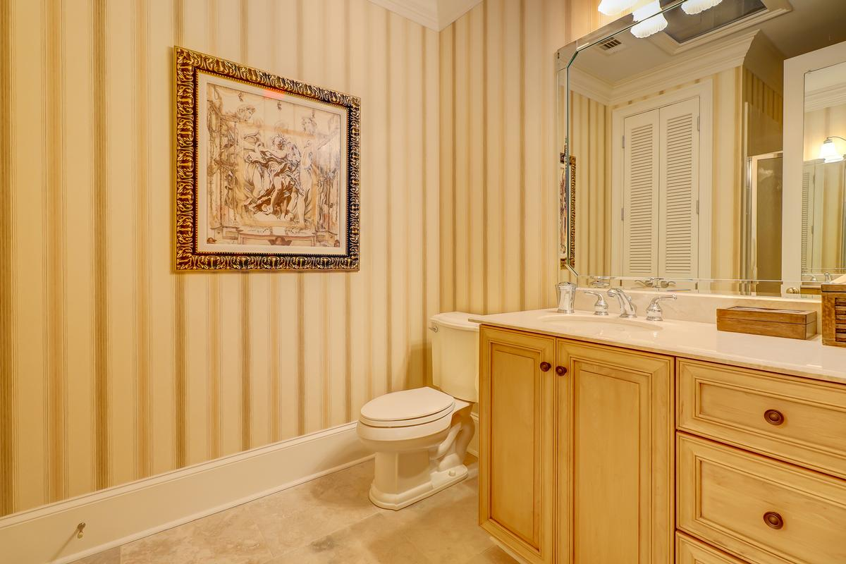 Luxury real estate beautiful home in Colleton River Plantation