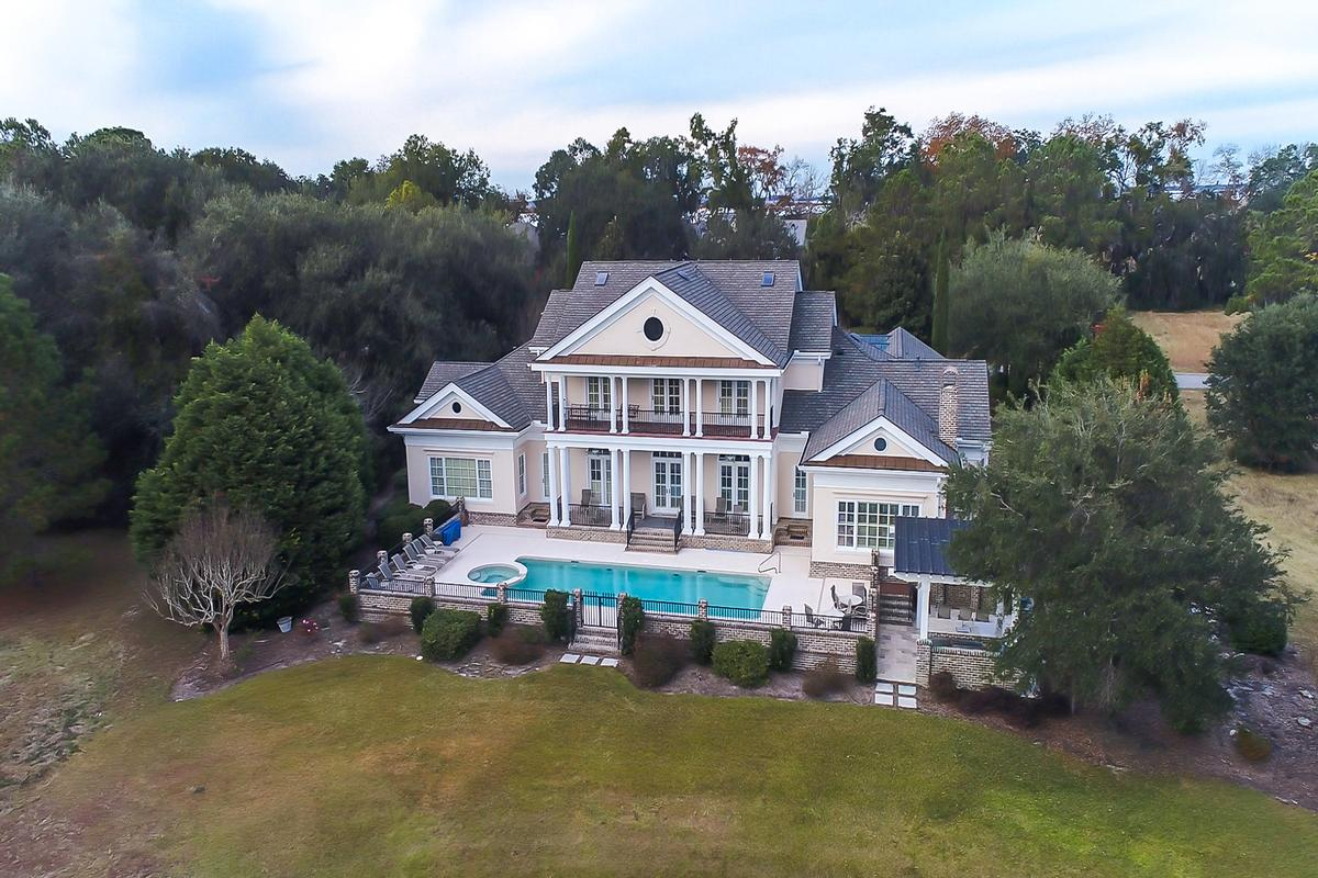 Mansions in beautiful home in Colleton River Plantation