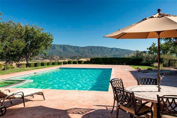 Mansions in Stunning Santa Ynez Luxury residence