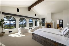 La Manzanita Estate  luxury homes