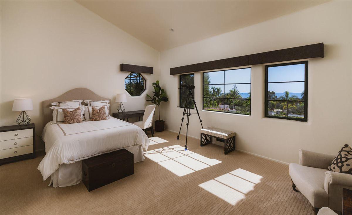 Luxury properties La Manzanita Estate