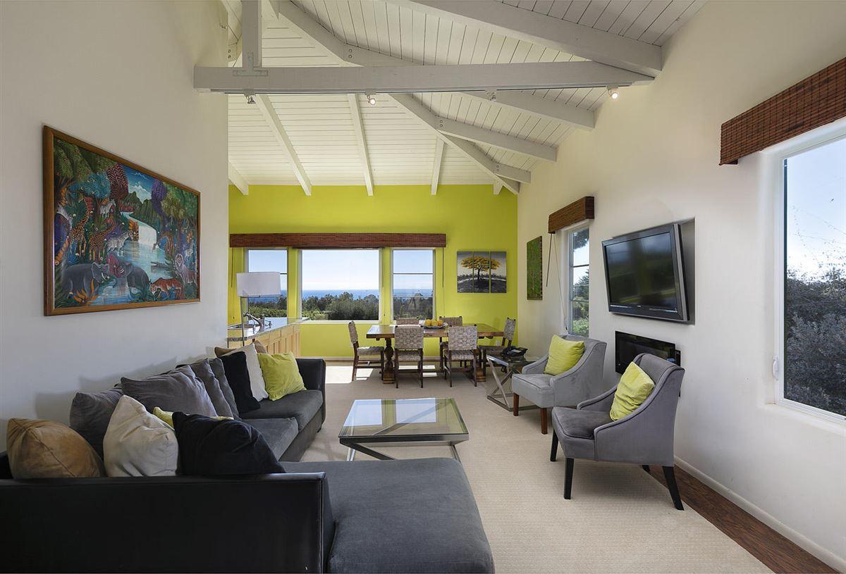 Luxury homes in La Manzanita Estate