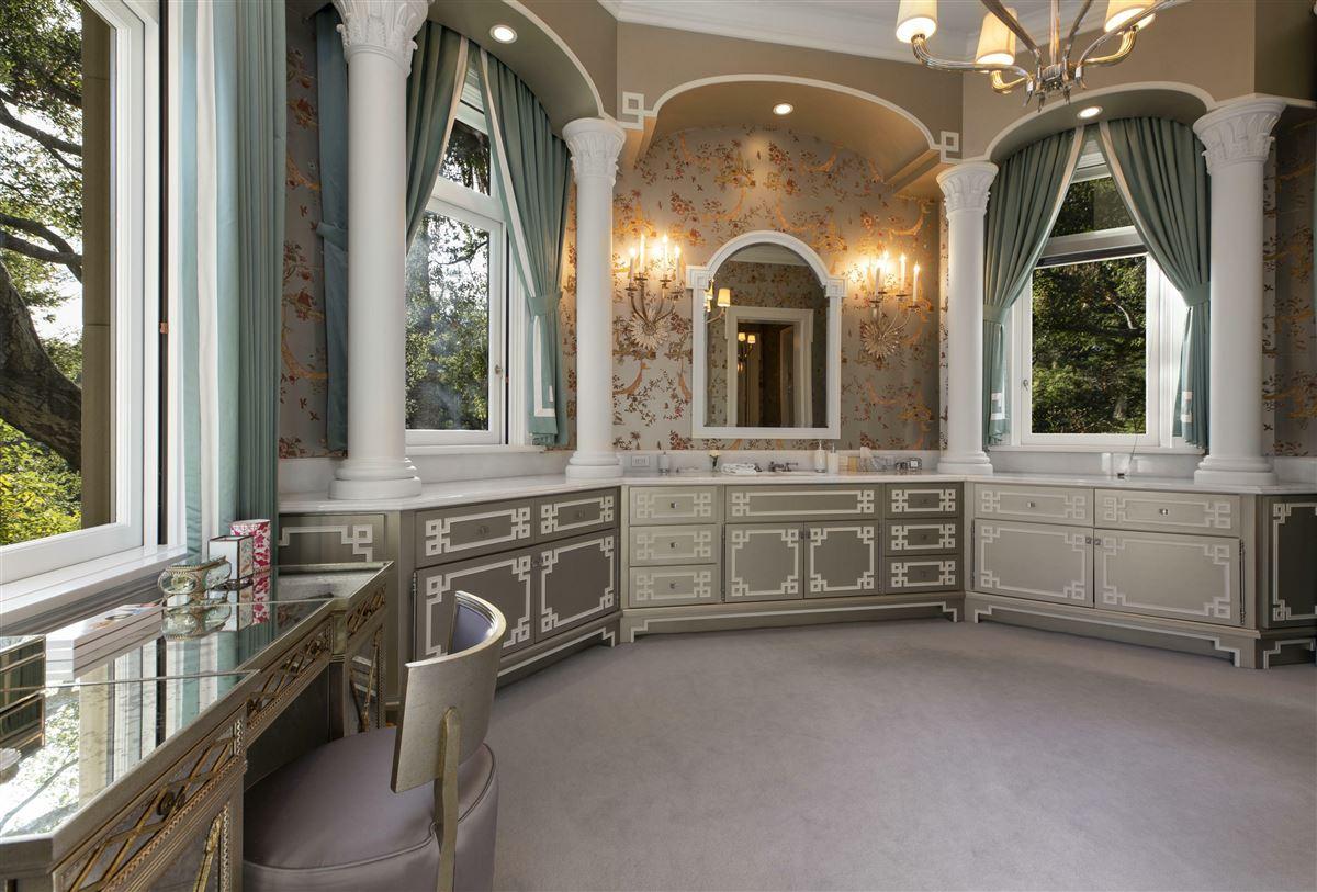 Luxury homes Mira Vista