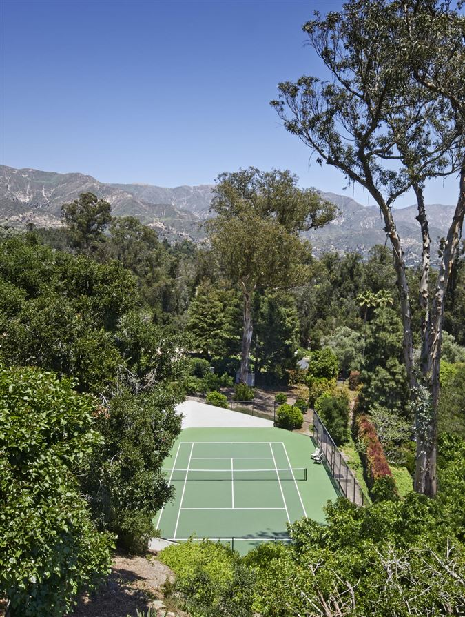 Luxury real estate Casa Bene - commanding knoll-top property