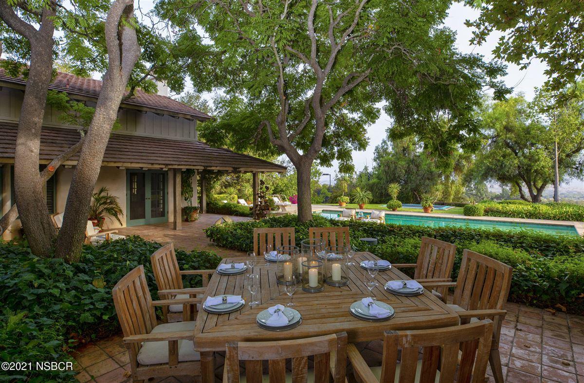 Luxury homes Rancho Cielo - serene luxury on 20 acres