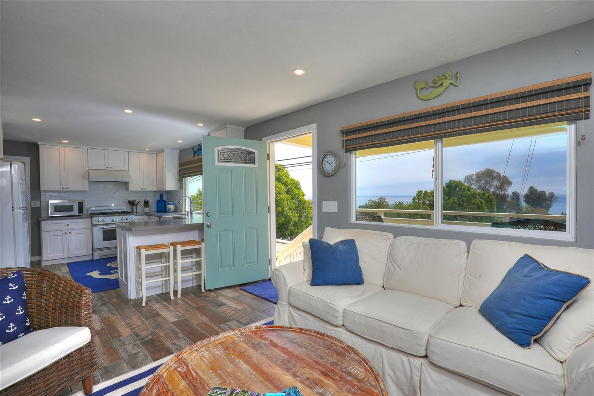 delightful two-bedroom cottage luxury homes
