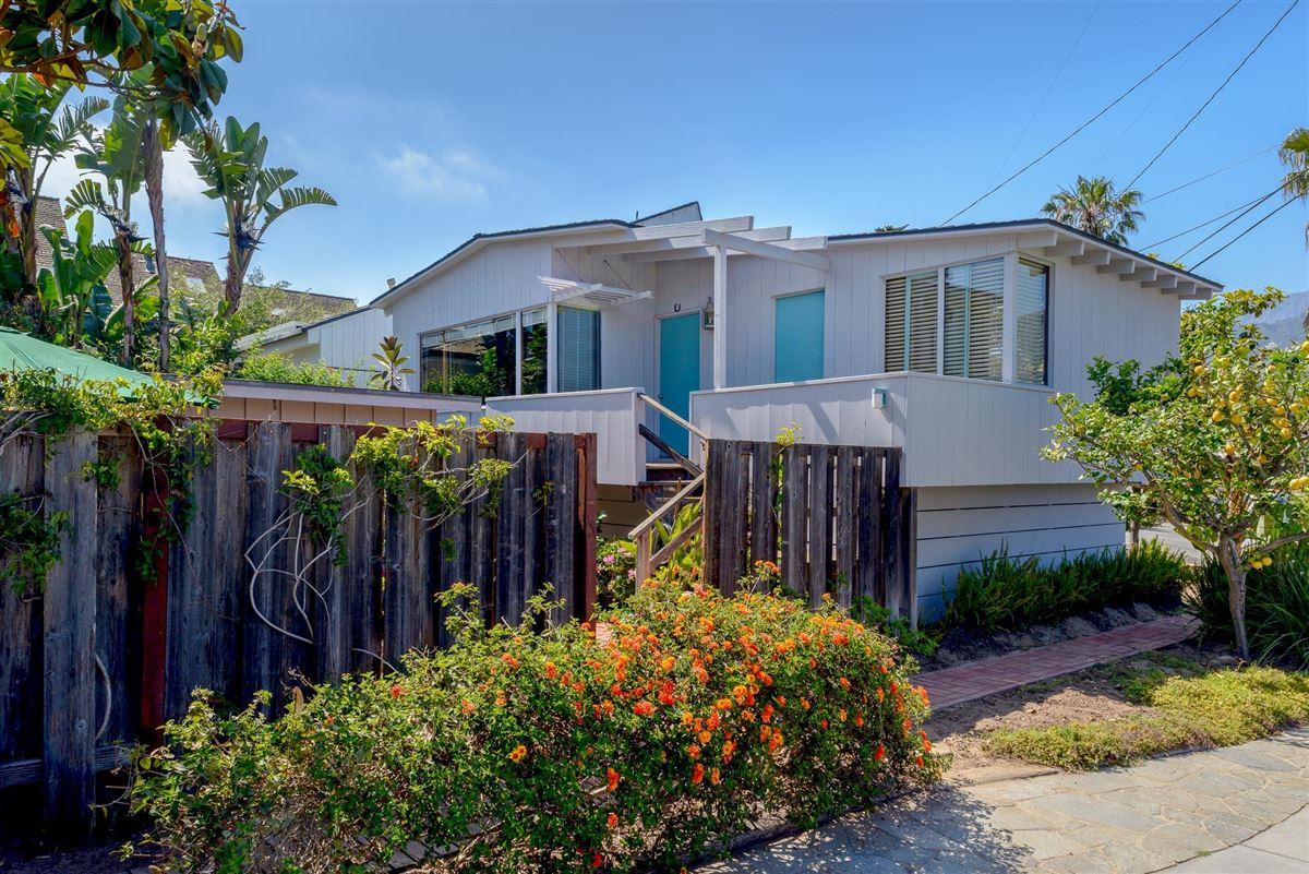 Mansions cozy beachfront cottage