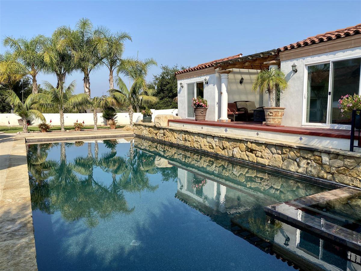 Rancho Vista de la Playa luxury homes