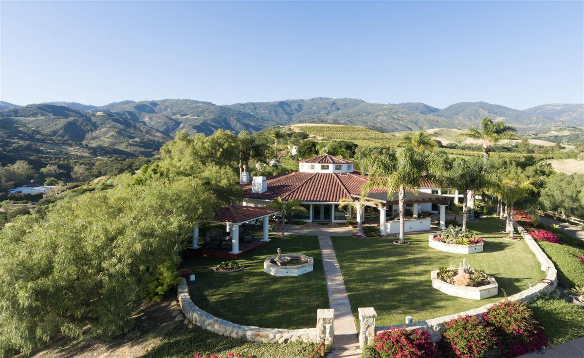 Rancho Vista de la Playa mansions