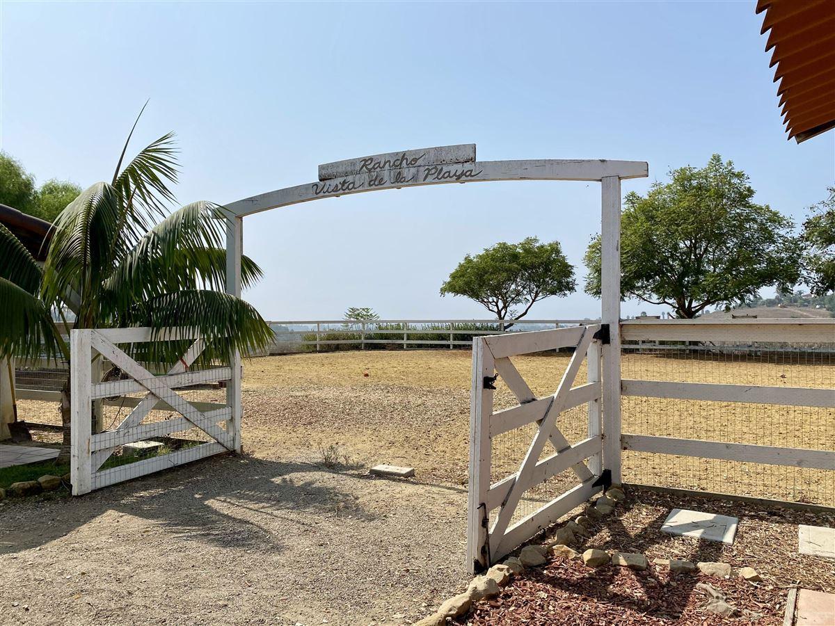 Rancho Vista de la Playa luxury properties