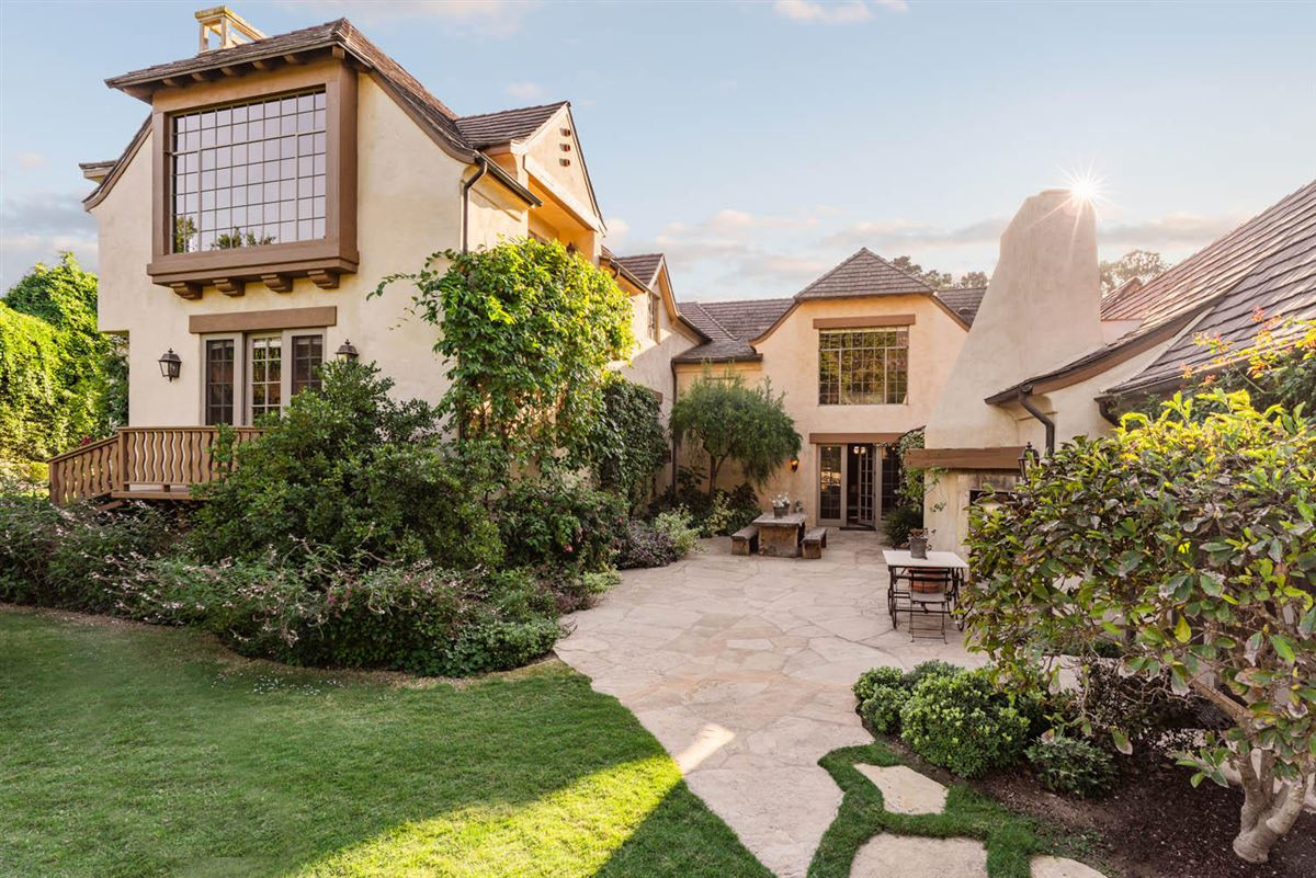 Beautiful home offers a peaceful oasis luxury homes