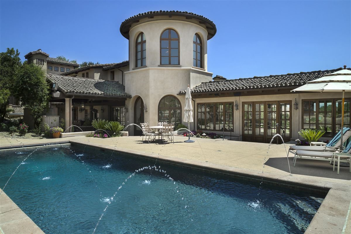 Twin Oak Ranch luxury properties