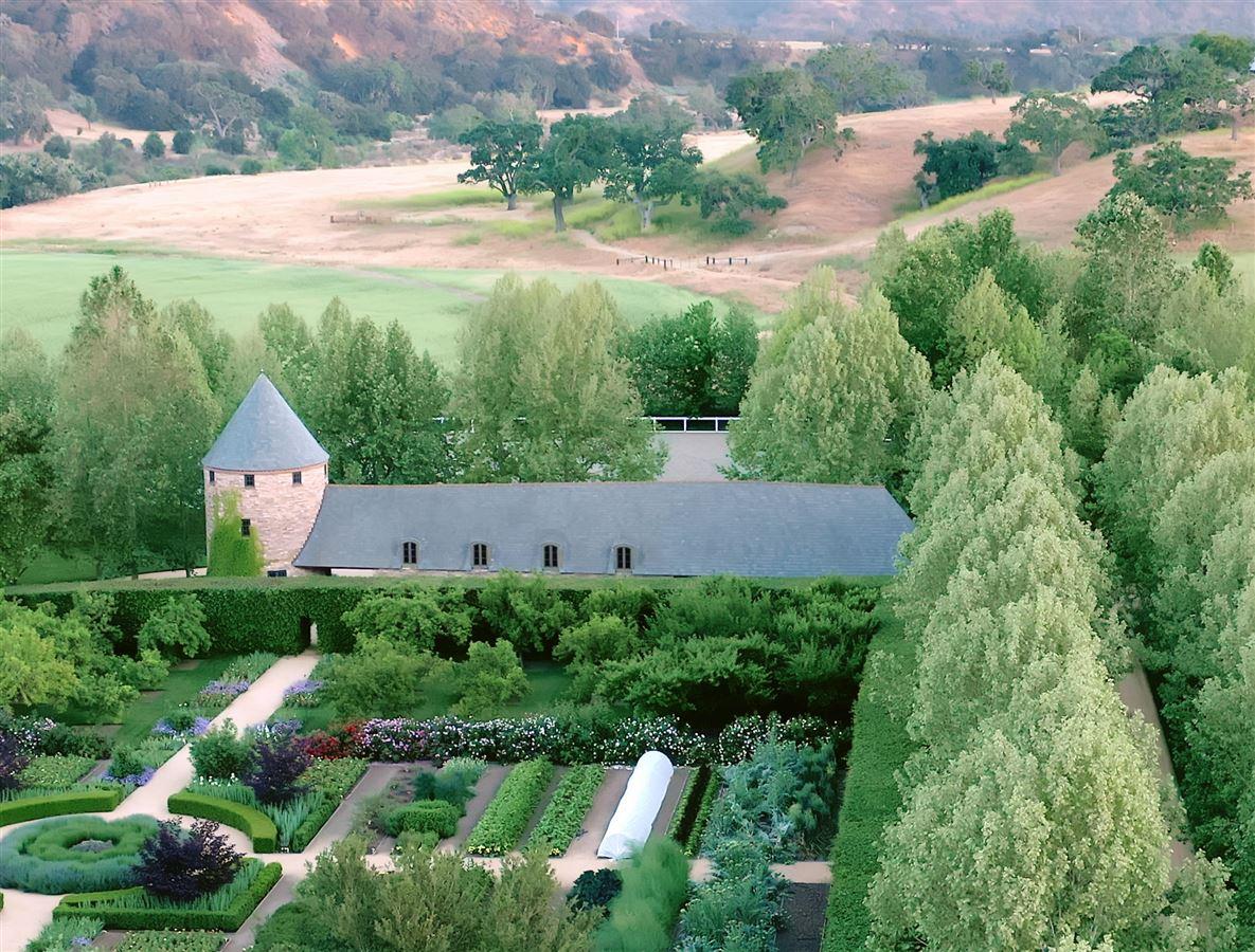 Mansions Seven Oaks