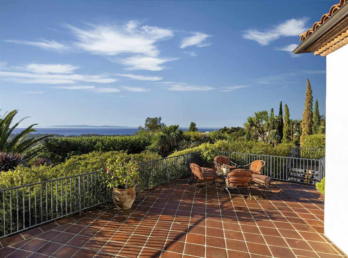 Luxury real estate gorgeous estate with Incredible ocean views