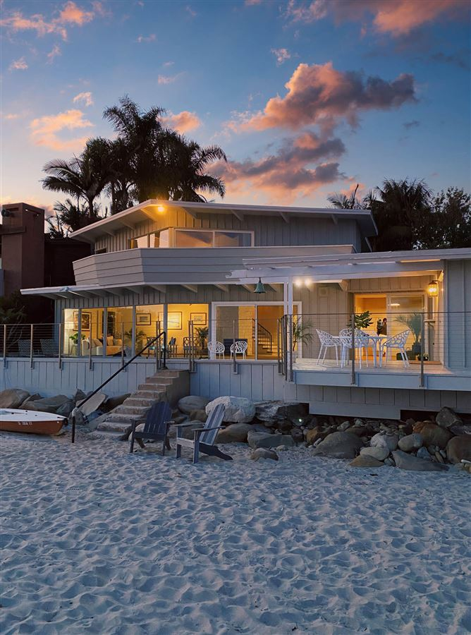 Mansions in rare opportunity on the sand in Montecito