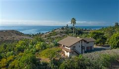 incredible site with sweeping views luxury homes