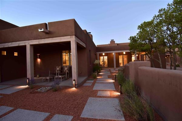 jaw-dropping Santa Fe hacienda and casita luxury homes