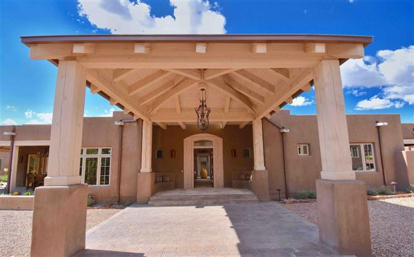 Mansions jaw-dropping Santa Fe hacienda and casita
