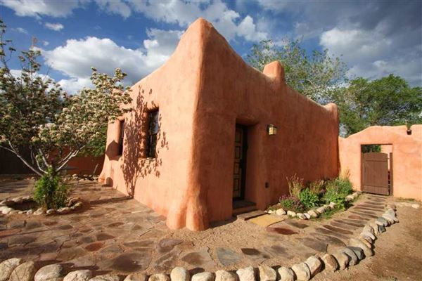 authentic Santa Fe luxury homes