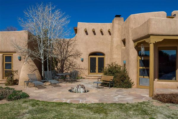 Luxury properties huge acreage with sparkling views