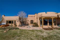 Mansions huge acreage with sparkling views
