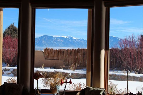 huge acreage with sparkling views mansions