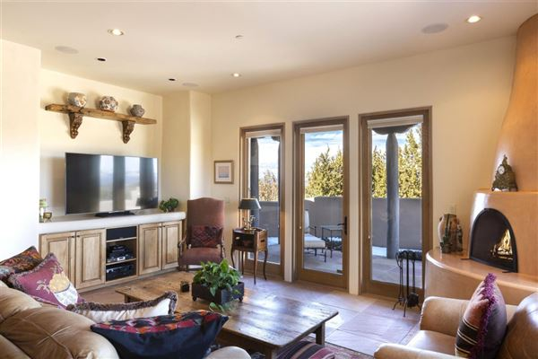 Luxury homes single level custom-built home