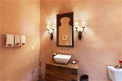 single level custom-built home luxury properties