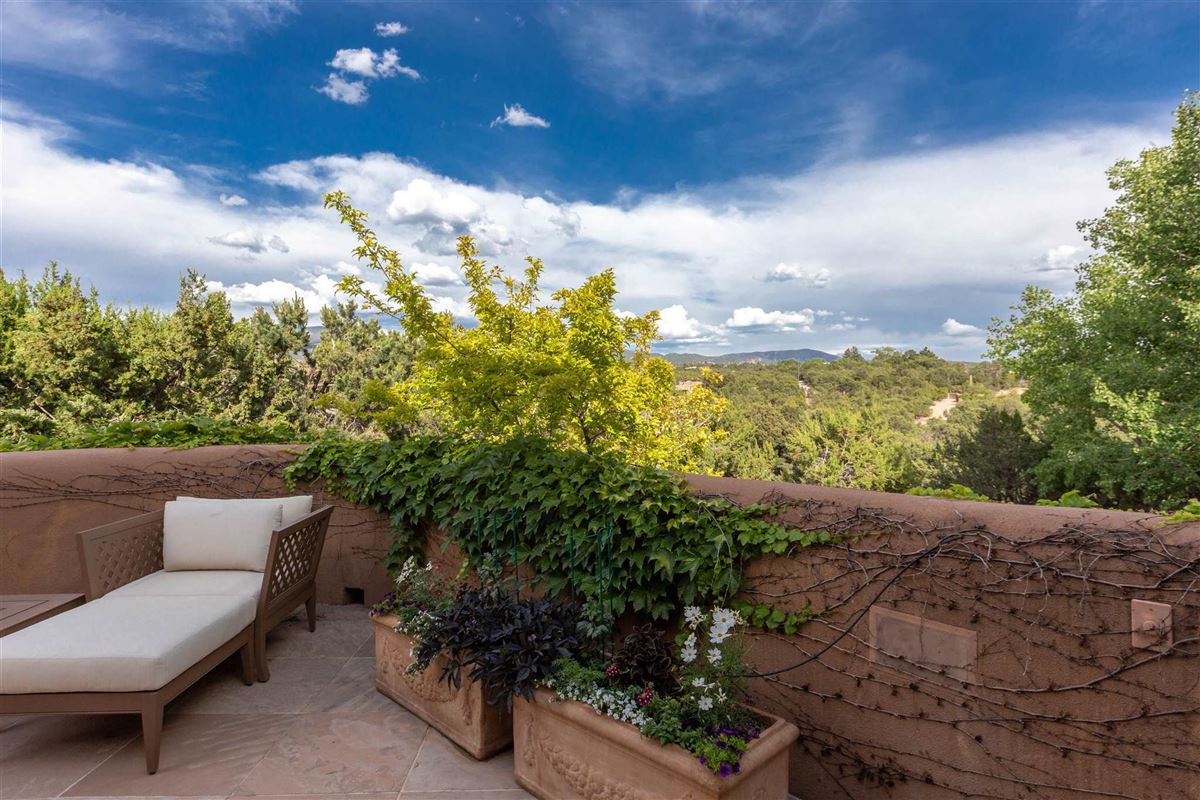 astoundingly beautiful gated santa fe estate luxury properties