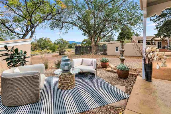 Luxury properties remarkable home and guest house in Santa Fe