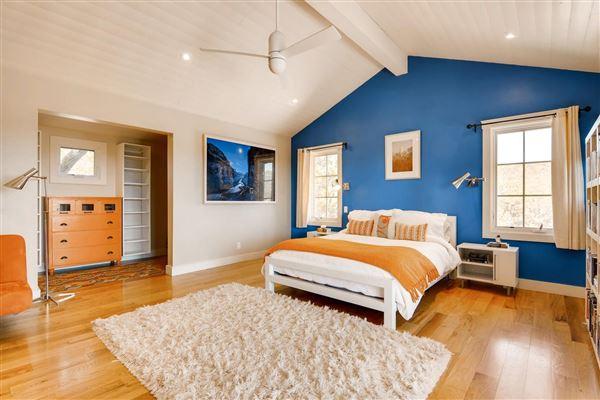 gracious five-plus acre retreat luxury properties
