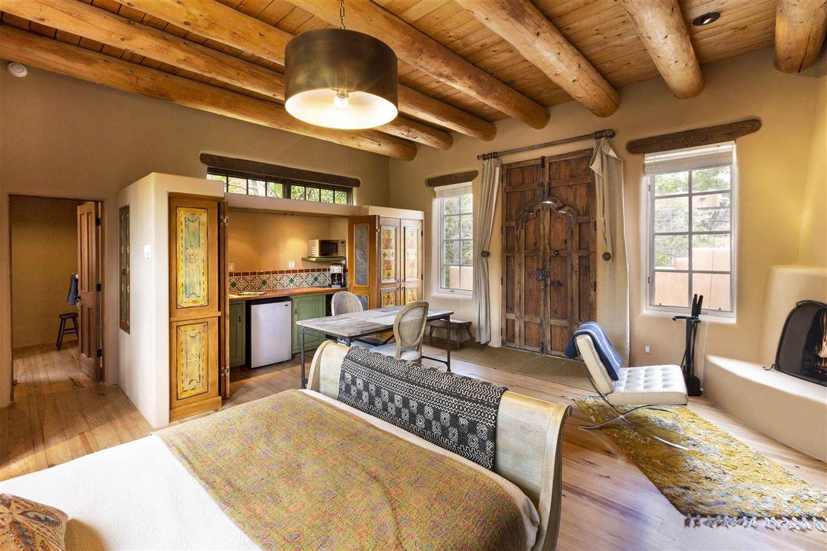 private estate luxury properties