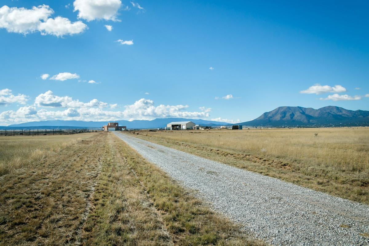 Luxury ranch with magnificent mountain views luxury homes