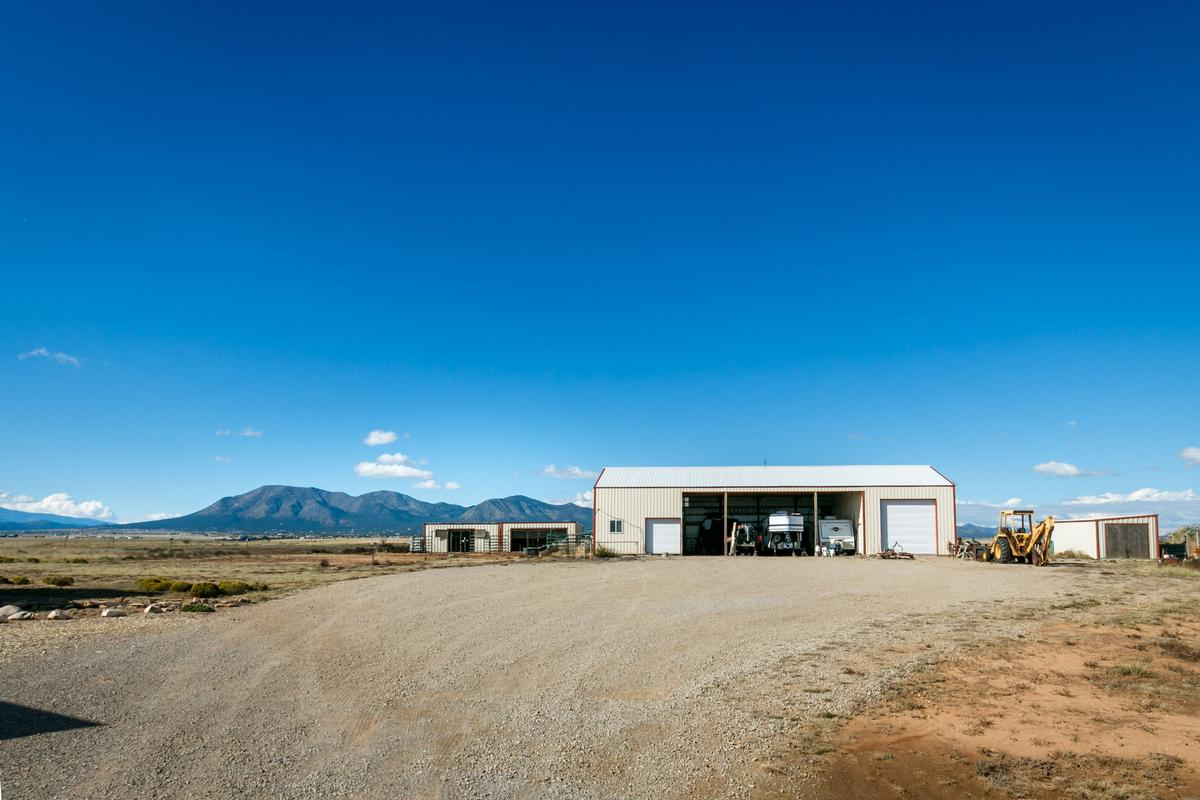 Luxury properties Luxury ranch with magnificent mountain views