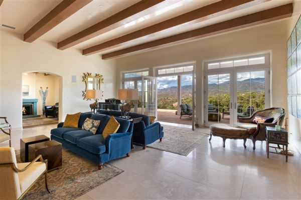 Luxury homes Circle Drive Compound